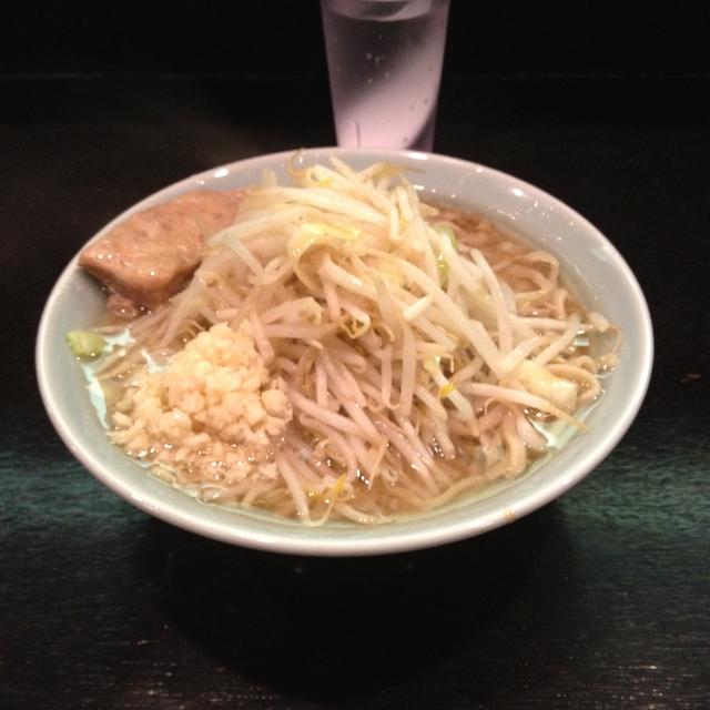 秋田の二郎インスパイア「マシンガン」でラーメンを食べた